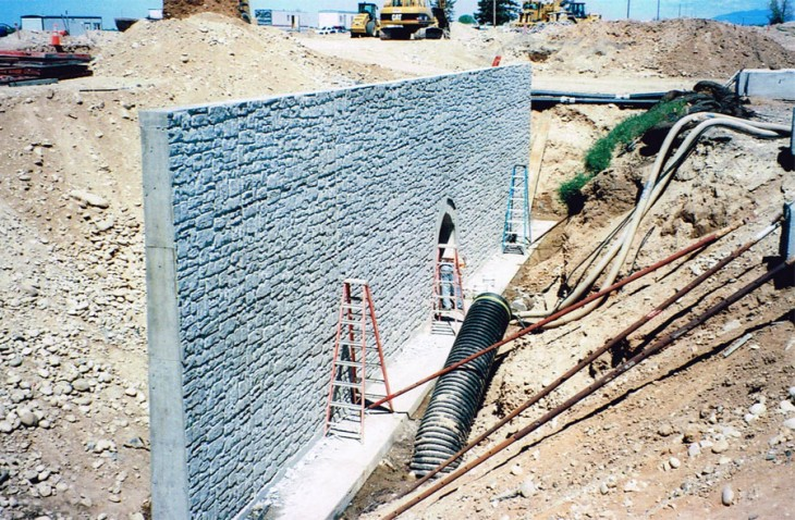 Purdam Drain Retaining Wall at 10 Mile Interchange